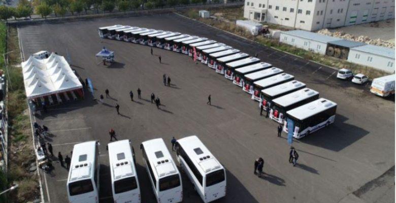 Büyükşehir Şanlıurfa'da ulaşıma 27 otobüs daha kattı