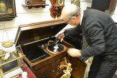Gaziantep'in son gramofon ustasında para değil kıymet geçiyor