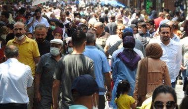 Vaka sayısının arttığı Gaziantep'te caddeler doldu taştı
